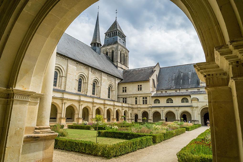 Création ferronnerie et metallerie d'Art pour l'abbaye de Fontevraud