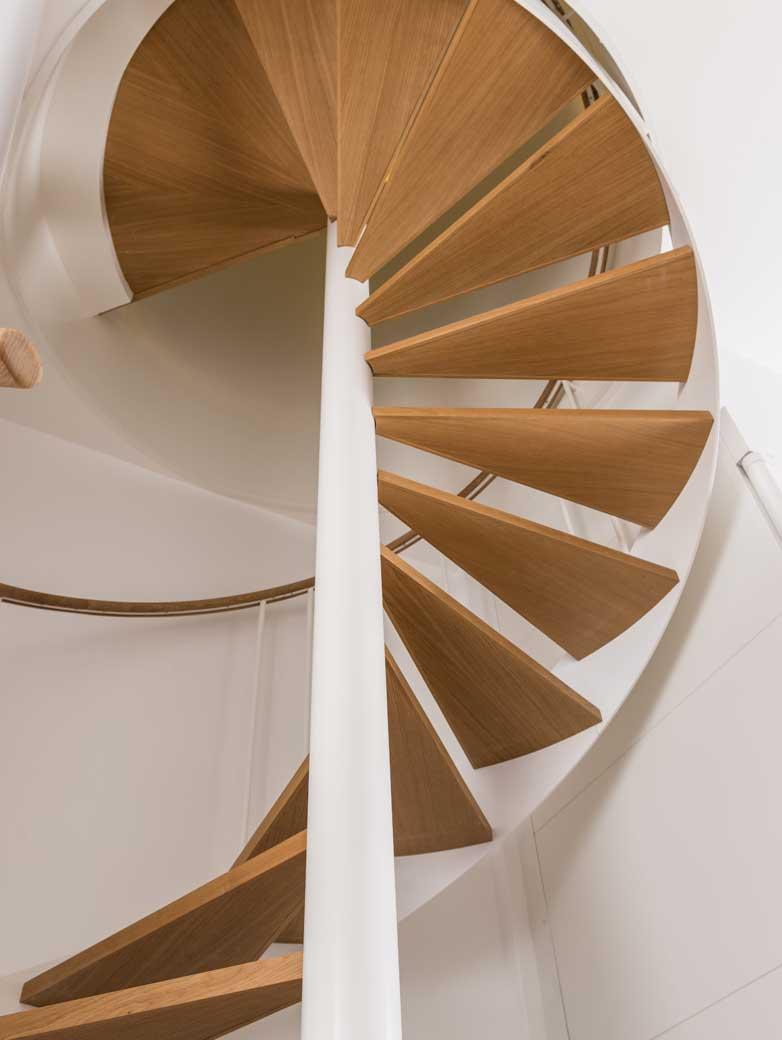 Escalier sur-mesure ferronnerie metallerie d'art